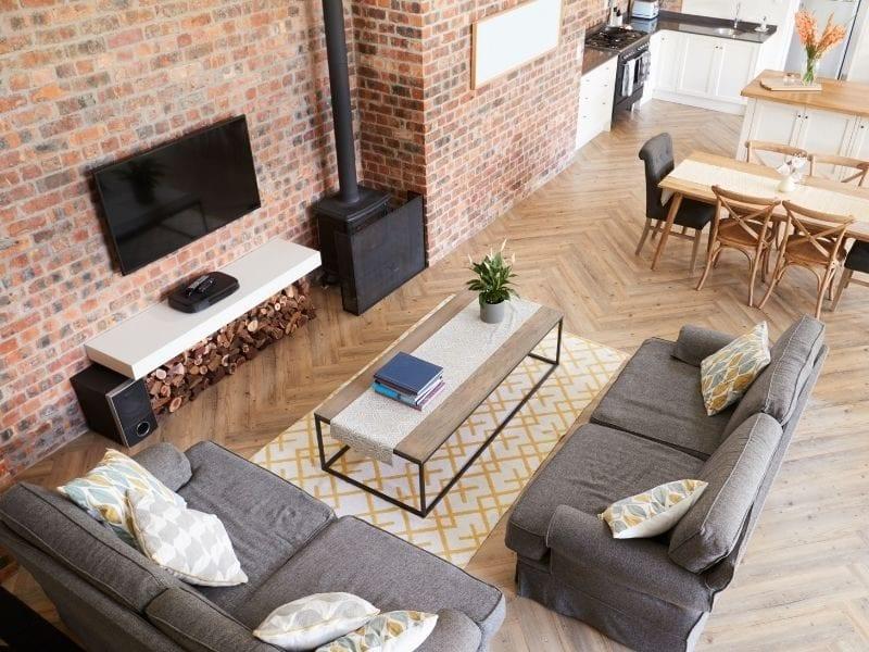 Face brick Lounge and open plan kitchen - JTD