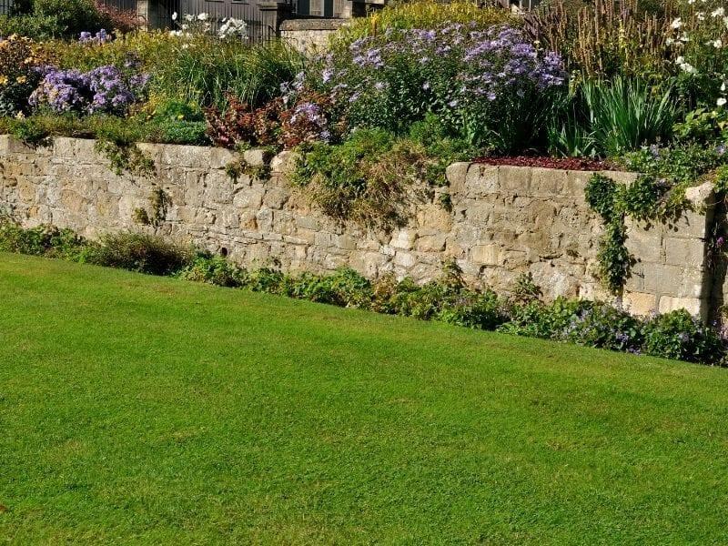 Stone garden wall - JTD